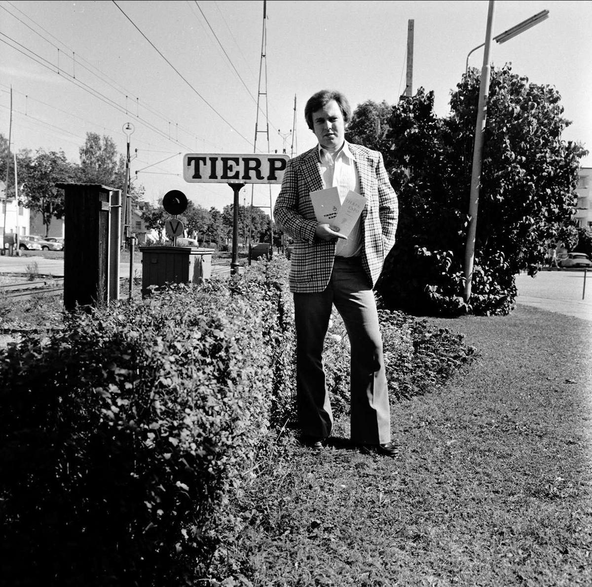 """Dags för 8:e Tierps-expo"", Tierp, Uppland augusti 1973"