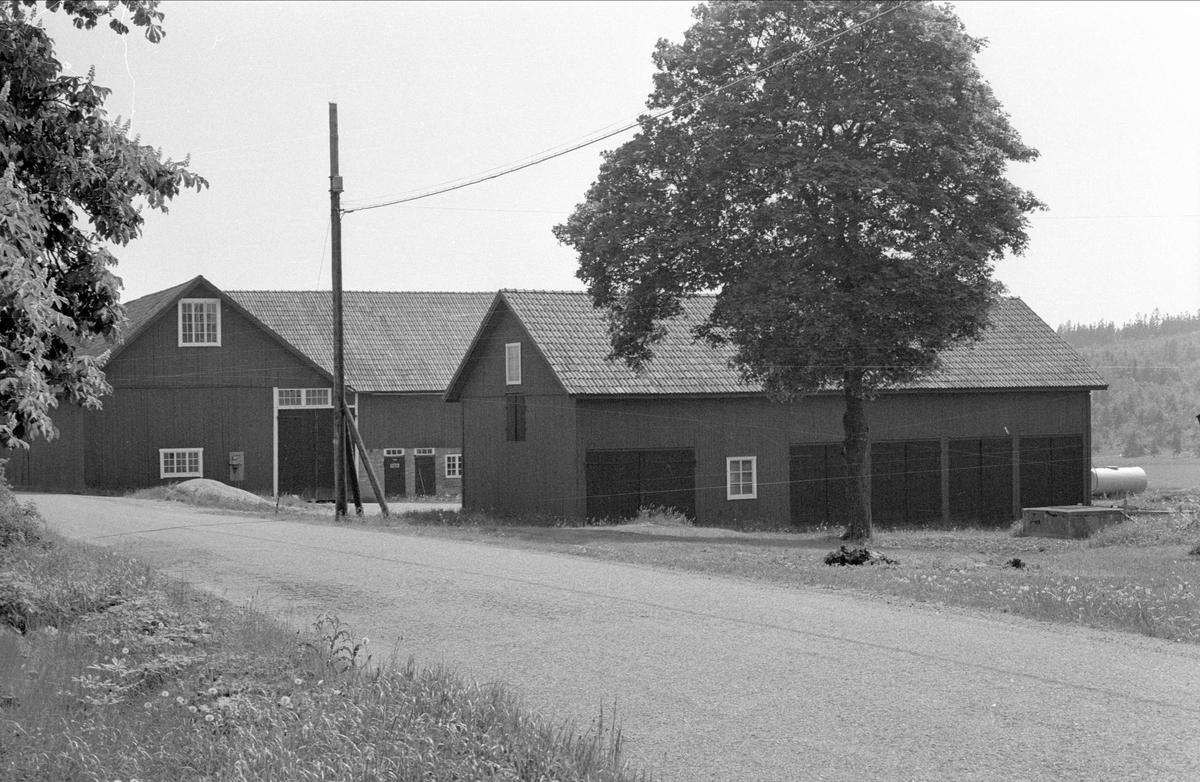 Ladugård, loge och hönshus, Prästgården 1:1, Danmarks socken, Uppland 1977