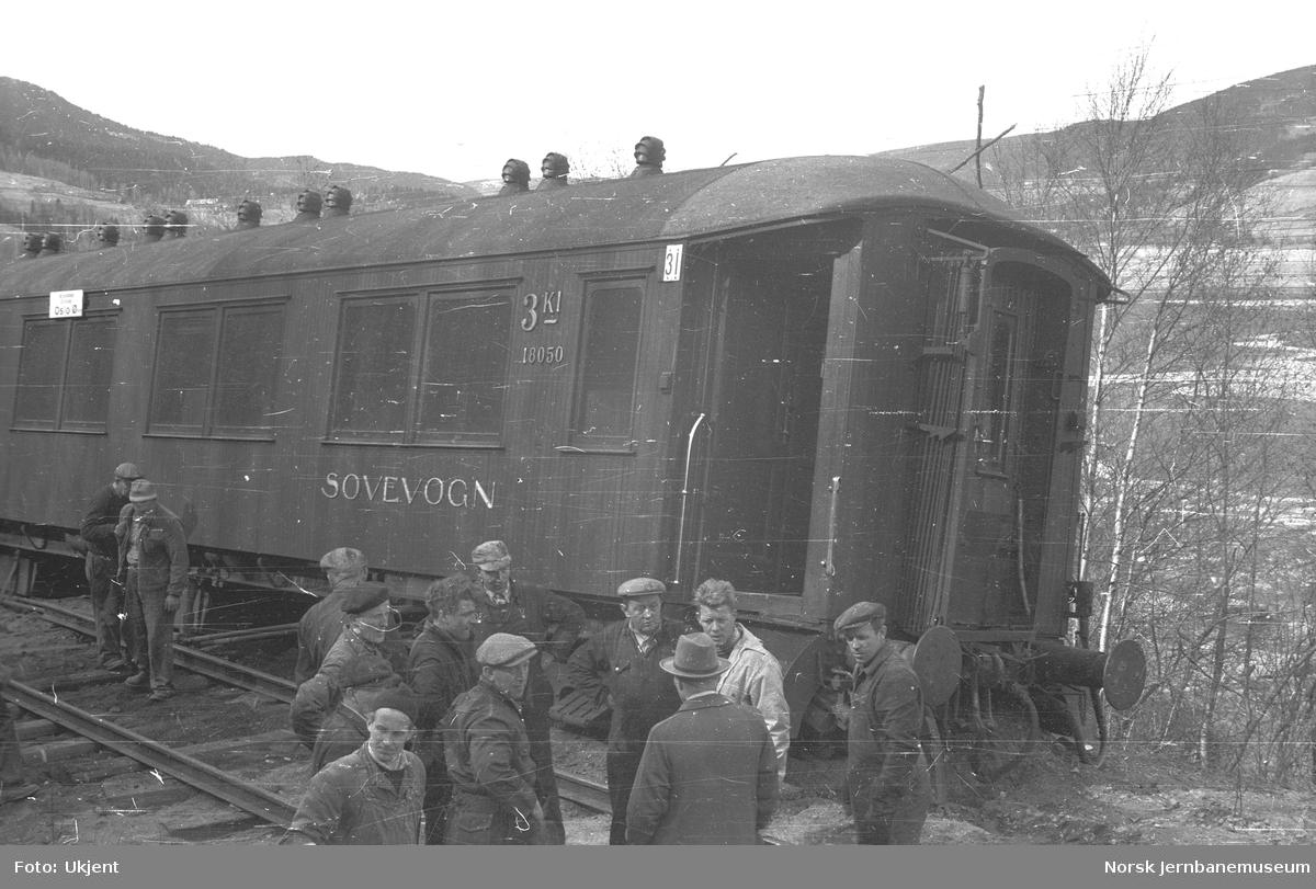 Avsporet sovevogn i tog 306 ved km 229 mellom Losna og Sjoa