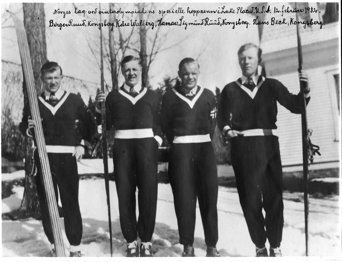 Norges lag ved vinterolympiadens spesielle hopprenn i Lake Placid, USA, 12.2.1932: Birger Ruud, Kåre Walberg, Sigmund Ruud, Hans Beck. The Norwegian team at the Winter Olympics special skijumpcompetition in Lake Placid, USA, Februray 12 1932.