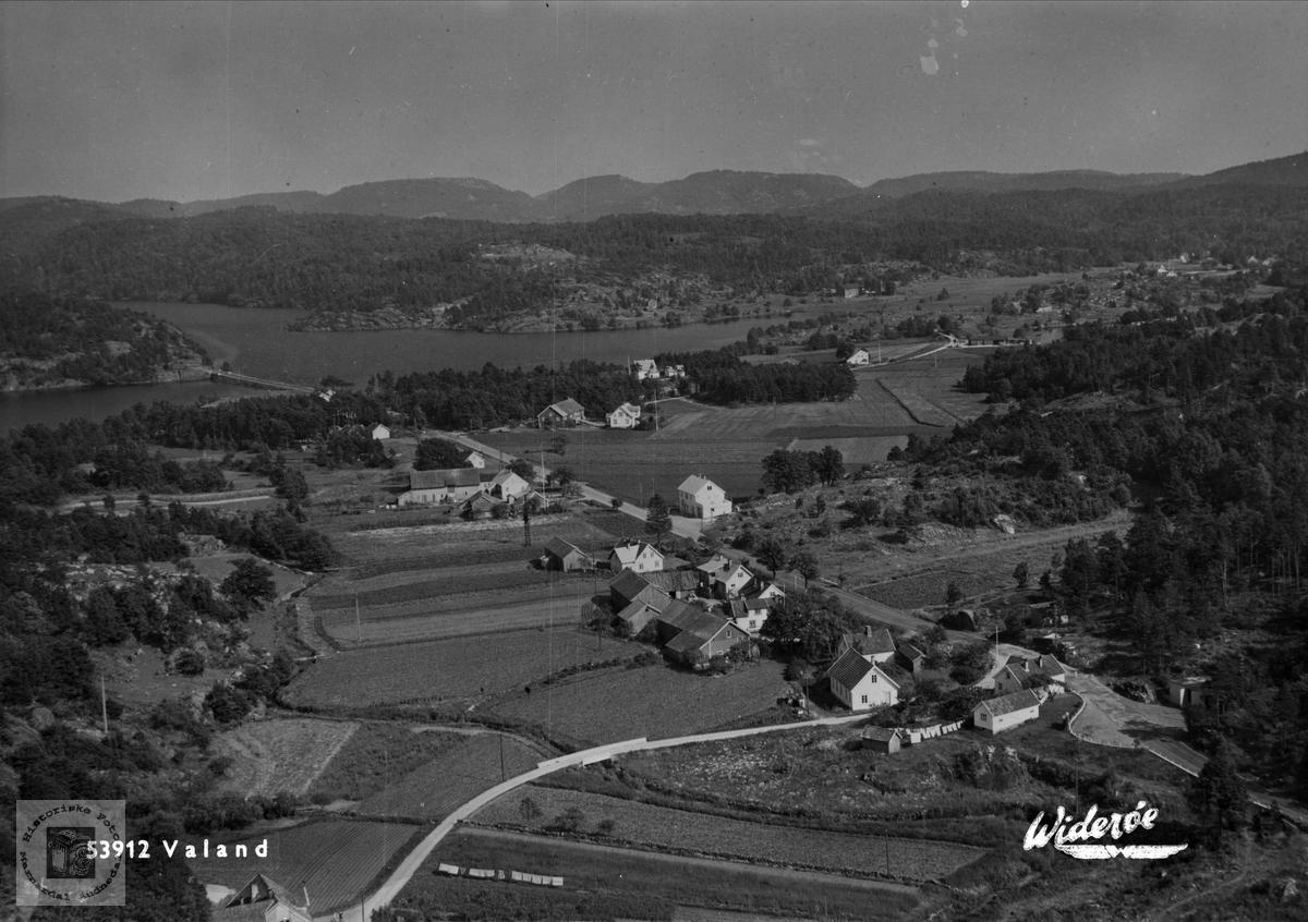 Flyfoto over Valand utenfor Mandal.