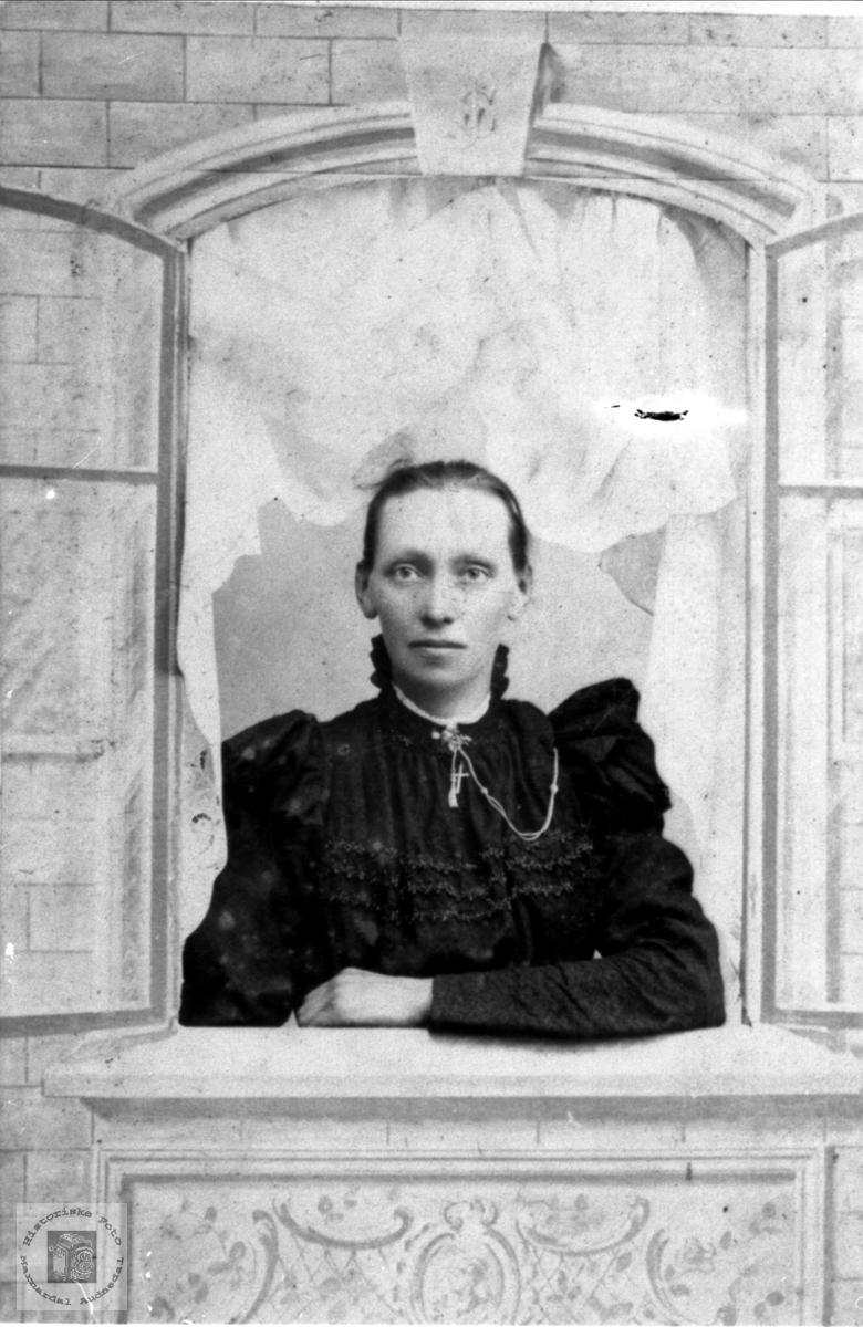 Portrett Anna Fidjestøl 1831-1887, Øyslebø.
