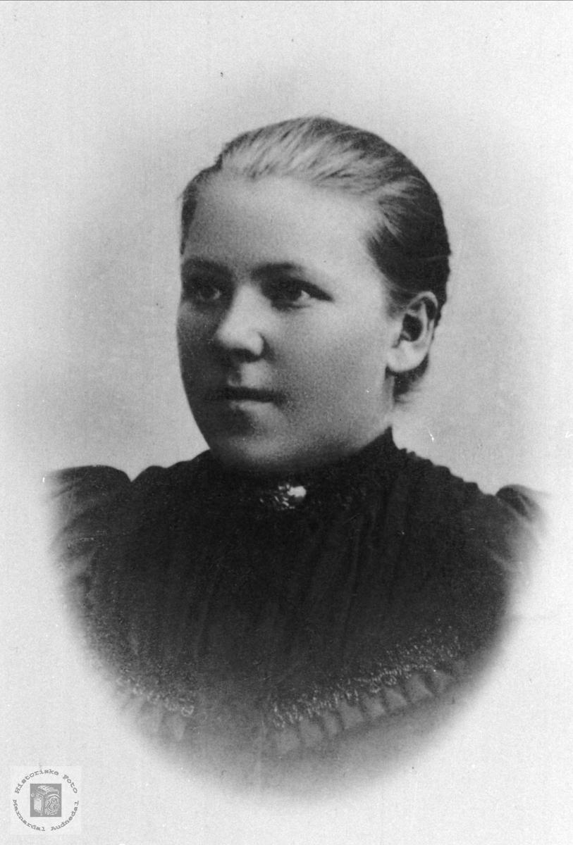 Portrett av Todne Ødegård, Øyslebø.