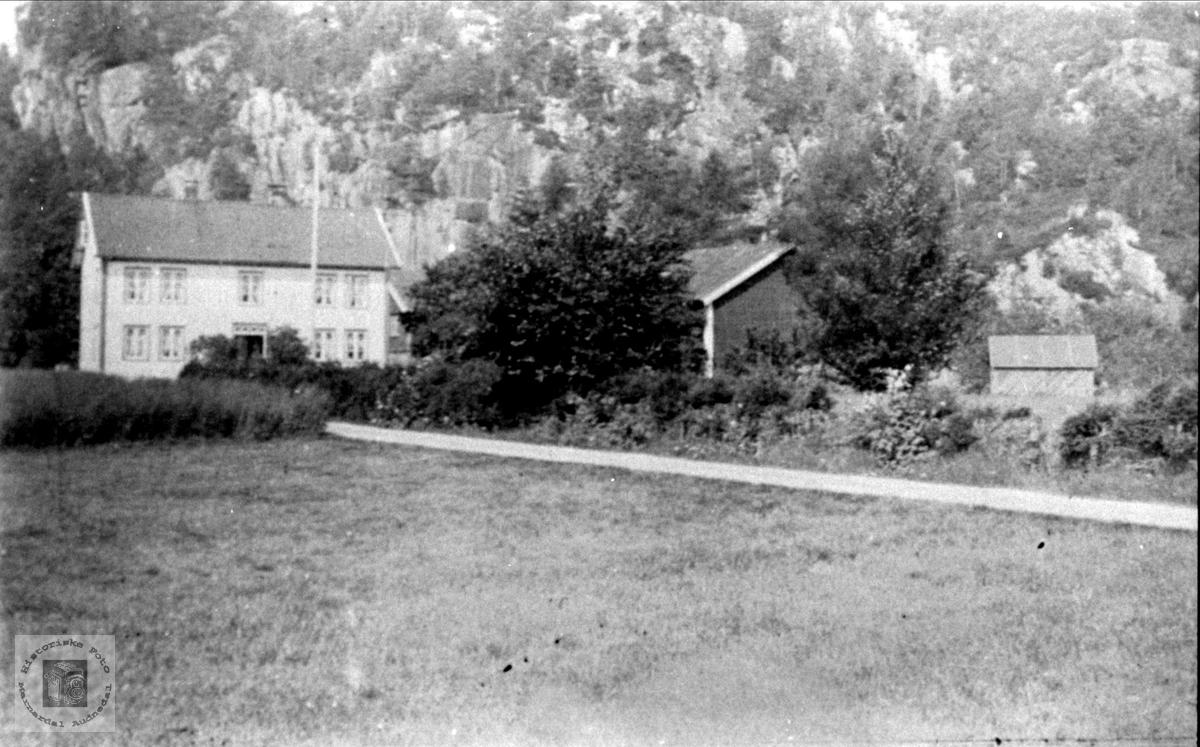 Hus på Øyslebø.