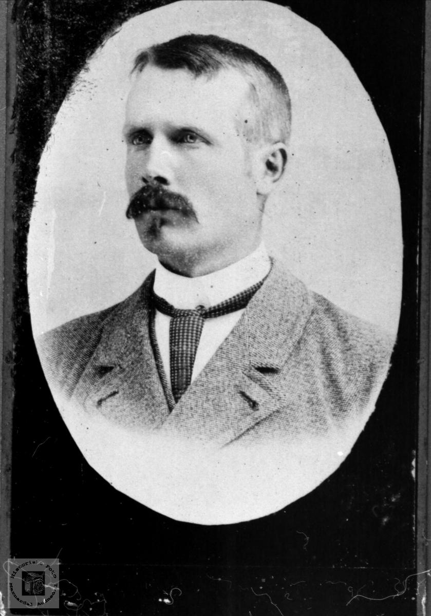 Portrett av Olav Koland, Bjelland.