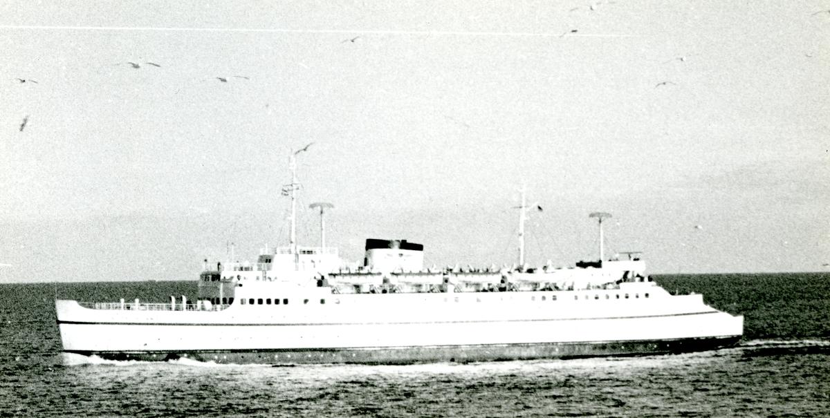 M/F Deutschland (b.1953, Kieler Howaldtswerke A.G., Kiel)
