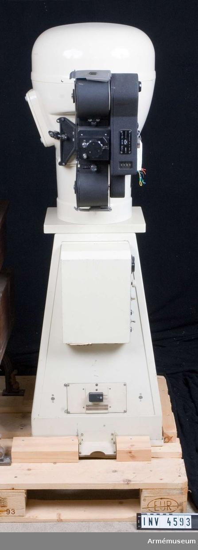 """Skärmbildsapparat, Holland. Odelca, typ MCS 70-4.Vikt ca 75 kg. Märkt """"Odelca 70 VII U 4 B  f=160 mm GRA 1:0. 63 7x7 cm""""."""