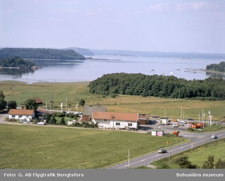"""Enligt AB Flygtrafik Bengtsfors: """"Rotviksbro Rotviksbro Bohuslän""""."""