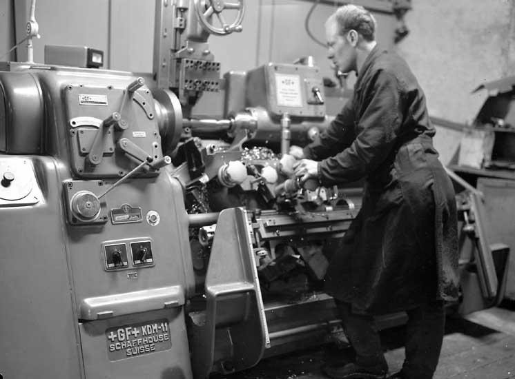 Arbete vid fräsmaskinen, Skandiaverken.