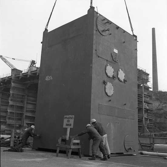 Lossning av panna till fartyg 208 M/T BORWI