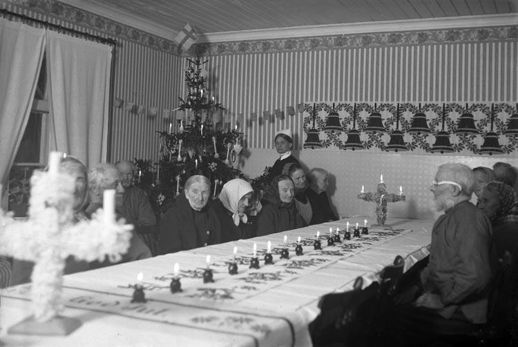 Julfirande på ålderdomshemmet i Kålsby, Skredsvik år 1925