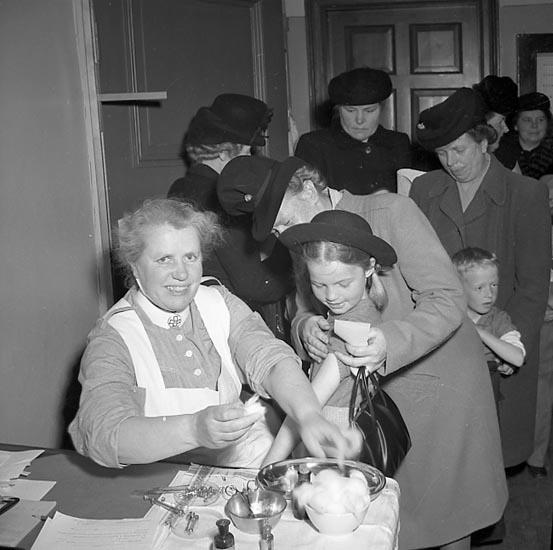 """Enligt notering: """"Vacsering i Folkskolan 20/5 1947""""."""