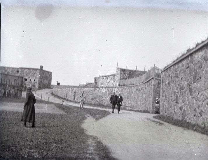 Kungen o. Adjutant Bergman på fästningen den 18 Juni 1895.