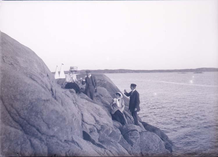 """Enligt text som medföljde bilden: """"På Humlesäcken, Lysekil. Sept. 09""""."""