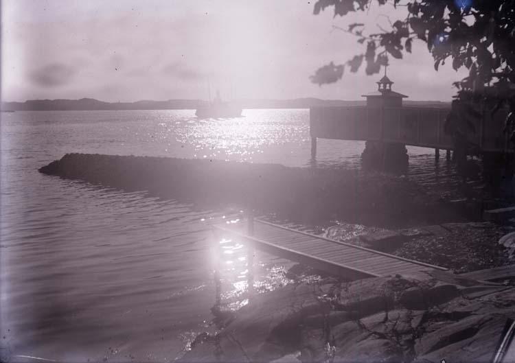 """Enligt text som medföljde bilden: """"Lysekil, Ång. Lysekil på Gullmaren Sept. 09."""""""