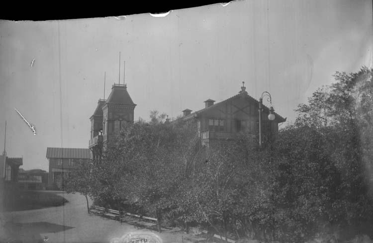 """Enligt text som medföljde bilden: """"Lysekil. Salongen från Badhuset 1897."""""""
