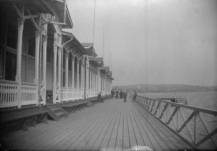 """Enligt text som medföljde bilden: """"Lysekil. Trampen från land 1897."""""""