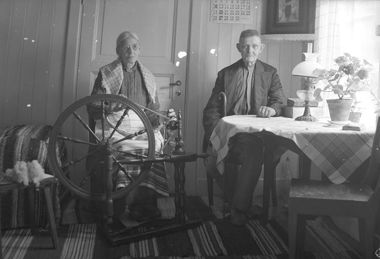 Carl och Maria Jansson, Gamla Bruket, Munkedal år 1937