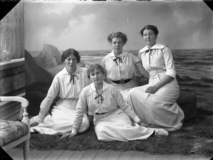 """Enligt fotografens journal nr 2 1909-1915: """"Andersson, Hildegard, Götabergsg. 32 G-g""""."""