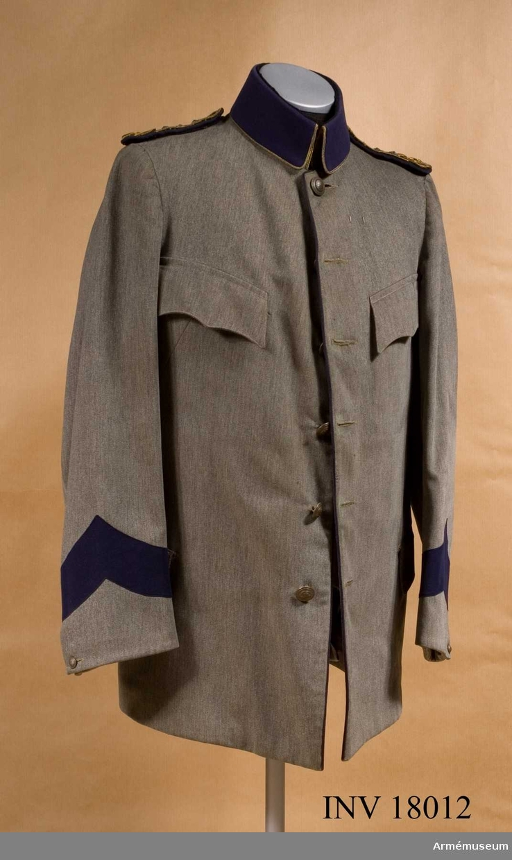 Grupp C I.  Ur uniform m/1910 för kapten vid Dalregementet.