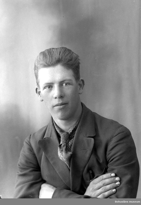 """Enligt fotografens journal nr 6 1930-1943: """"Johansson, Gunnar Inlag Här""""."""