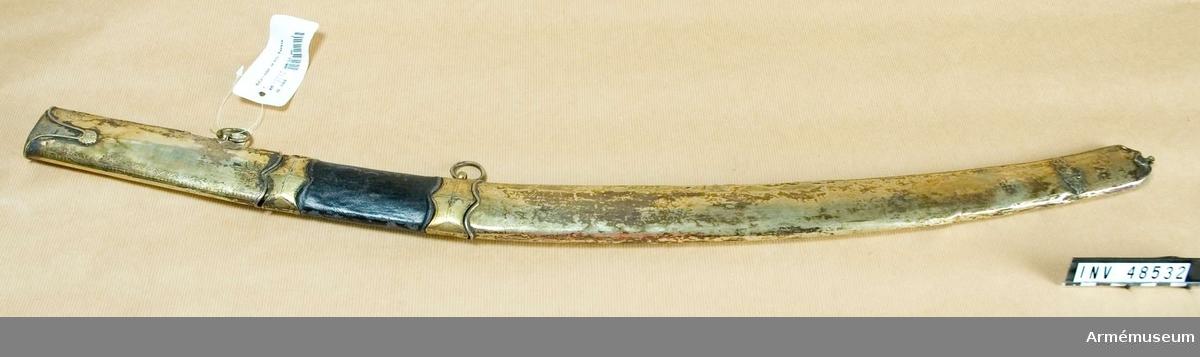Samhörande nr är 48531-2, sabel, balja. Grupp D II.  Från 1700-talets slut eller 1800-talets början.
