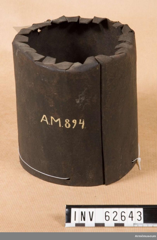 Grupp F II. 8-pundig karteschdosa med träspegel till haubits.