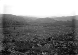 Juni1924. Domarringen vid Pilane gravfält. ::