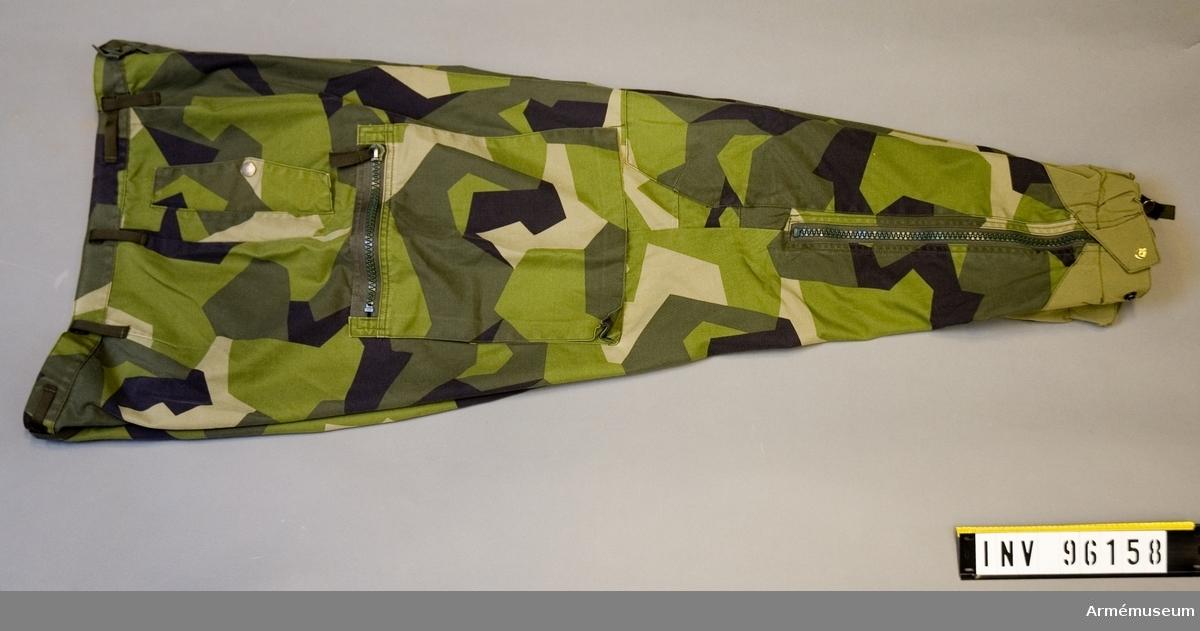 Att passa kroppsmått: 180 cm, vikt 95 kg. Tillverkade 2006, Fecsa, Vietnam. Yttertyg:65/35 PES/CO.
