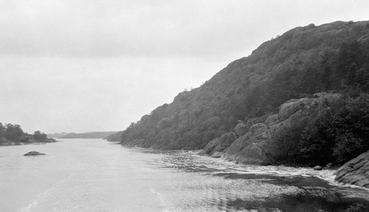 """Enligt senare noteringar: """"Vägenö ränna"""", strömmarna. 23 Juli 1919."""