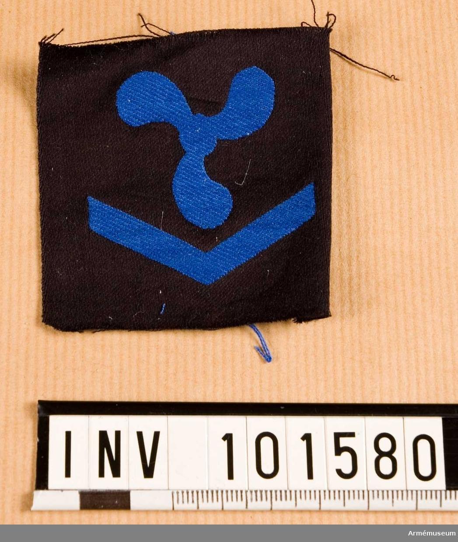 Gradbeteckning: maskin, värnpliktig, II klassens sjöman, marinen.