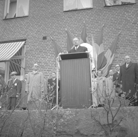 "Text till bilden: ""Lysekil. Kungabesök. 1955.05.14""         ::"