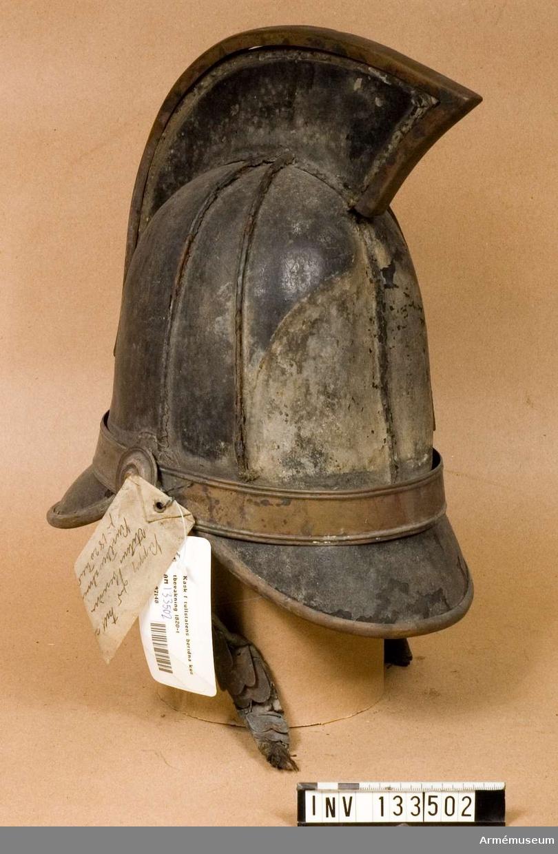 Plåt saknas. Kask för tullstatens beridna kustbevakning, 1820-tal.