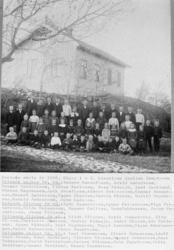 Evensås skola år 1904.