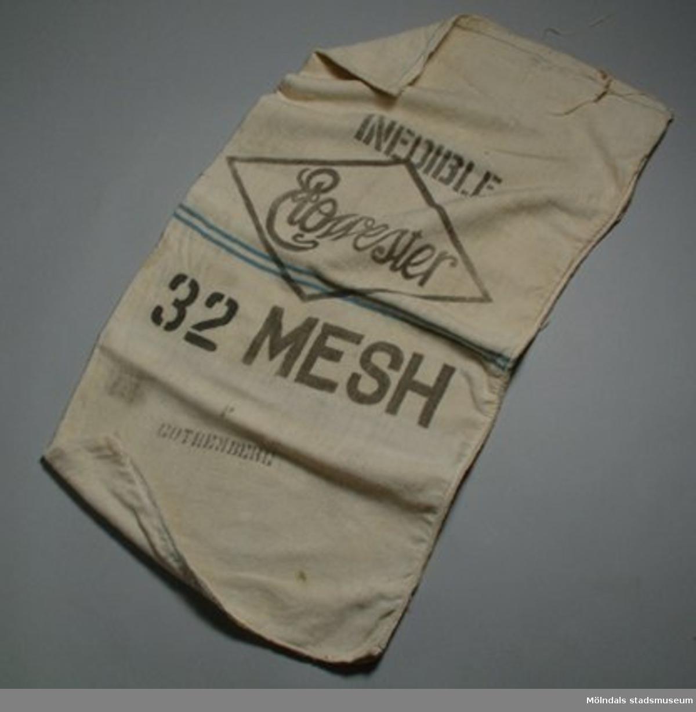 Casienasäck. Casiena är ett bindemedel vid tillverkning av papper.