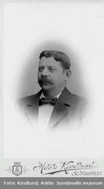 Porträtt (visitkort) på Gustaf S. Svensson, handlare (Västermalm).