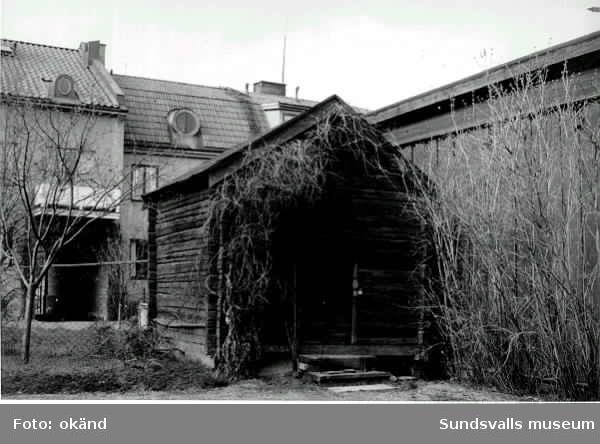 Förvaringsbod på Norrmalm. Kv Långreven, Skepparegatan 14. Var e. u. den äldsta bevarade byggnaden på Norrmalm vid rivningen av stadsdelen på 1960-talet.