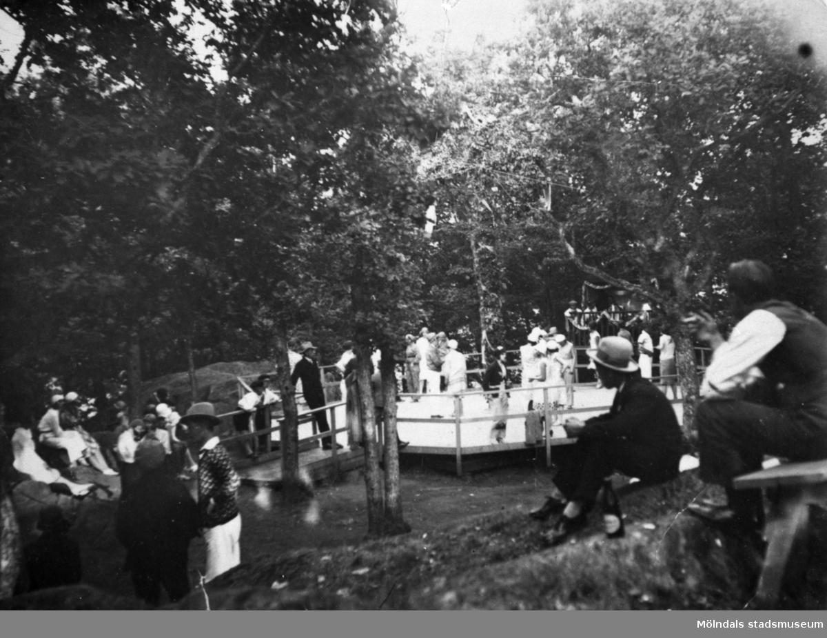 "Dansbana vid ""Torpet"". Annestorp i Lindome, 1930-tal."