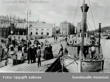 Vykort. Sundsvalls hamn. Tullpackhuset och hamnmagasinen. Prins Gustaf vid kaj