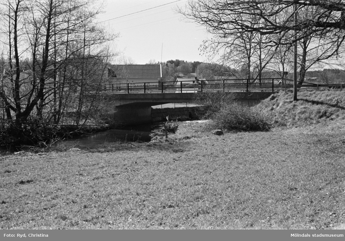 Hällesåkers bro över Lindomeån, 1991