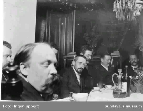 Hotell Nord, schweizeriet. Hotellet invigt 1876. Personer på bilden: Gustaf Rietz, Isak Holmer, This, Eriksson samt Adolf Knaust (längst till vänster).
