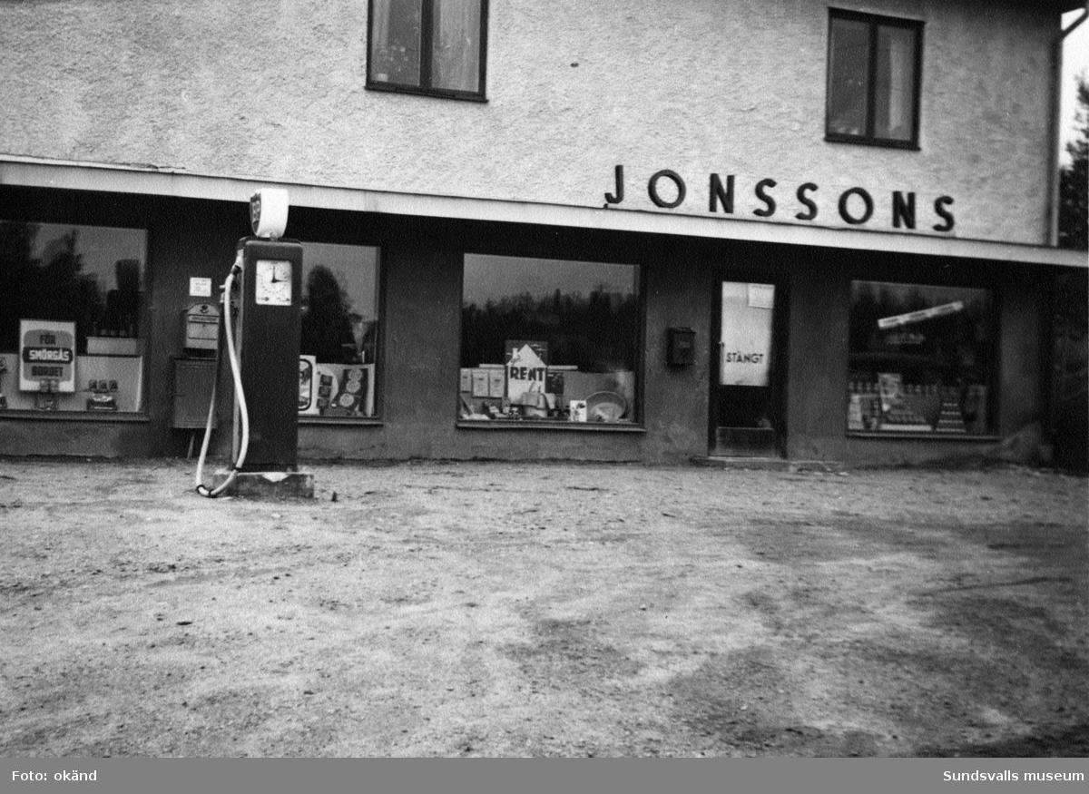 BP-stationen Frånö. Köpman: J.A. Jonsson Div. handel.