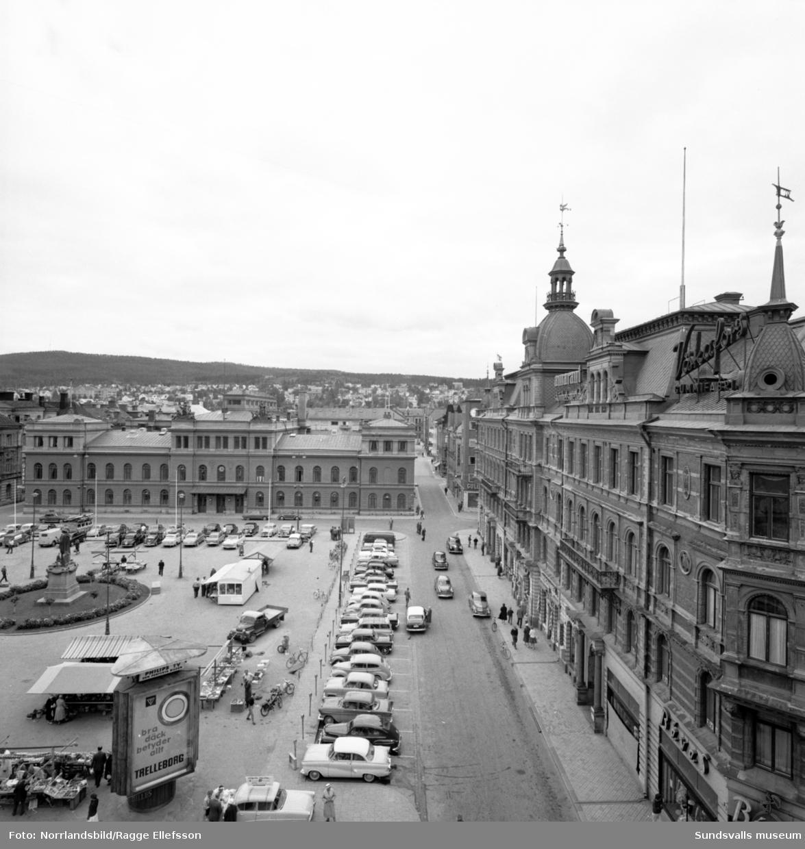 Vy över Torggatan söderut taget från Forumhuset.