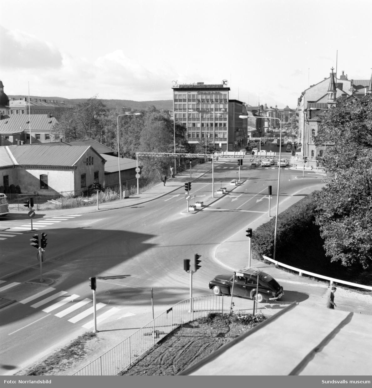Vägkorsningen vid EFS-kyrkan, Strandgatan-Köpmangatan-Landsvägsallén-Parkgatan.