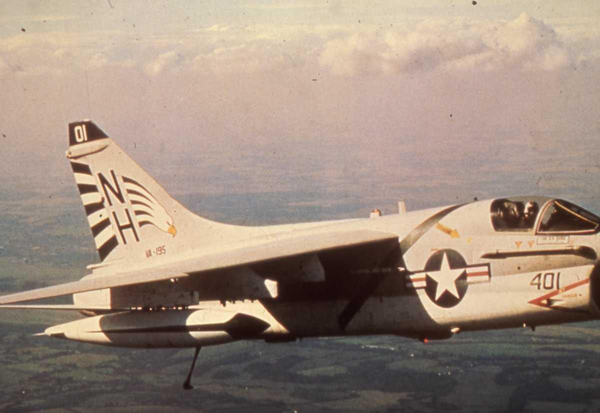 Amerikansk fly av typen A-7 Corsair.