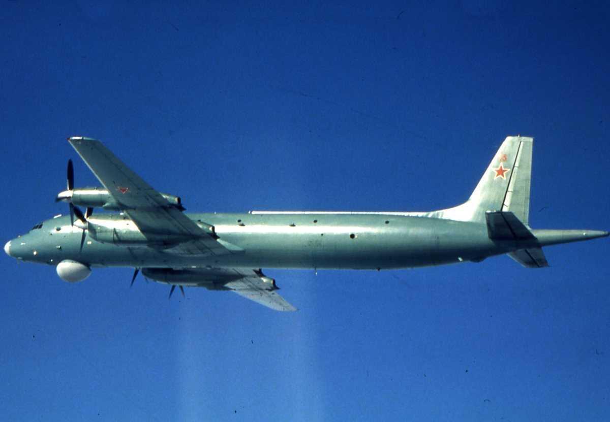 Russisk fly av typen May med nr. 15.