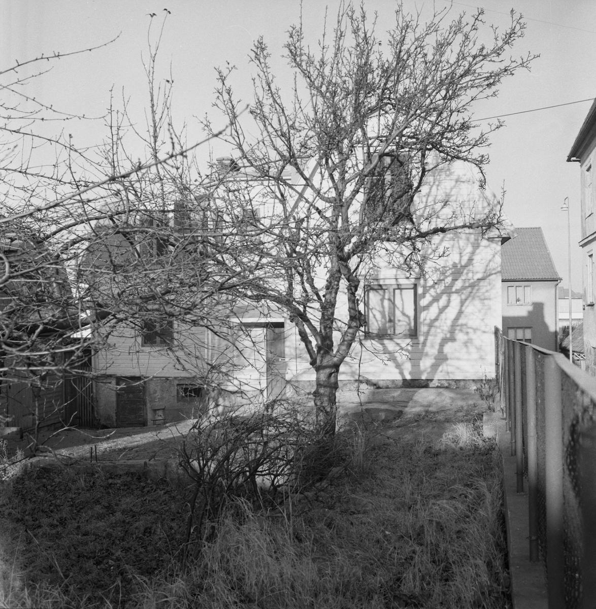 Övrigt: Fotodatum:5/12 1962. Byggnader och Kranar. Tomt i Galergatan 15 ext