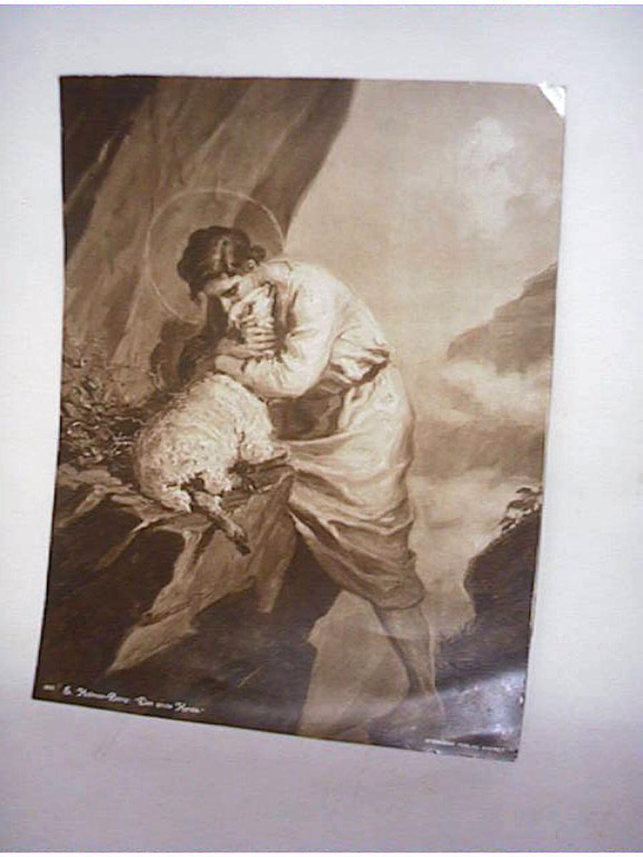 Jesus som den gode hyrdingen som bergar ein sau på ei fjellhylle