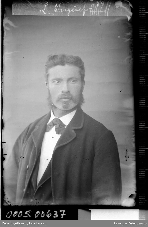 Portrett av mann.