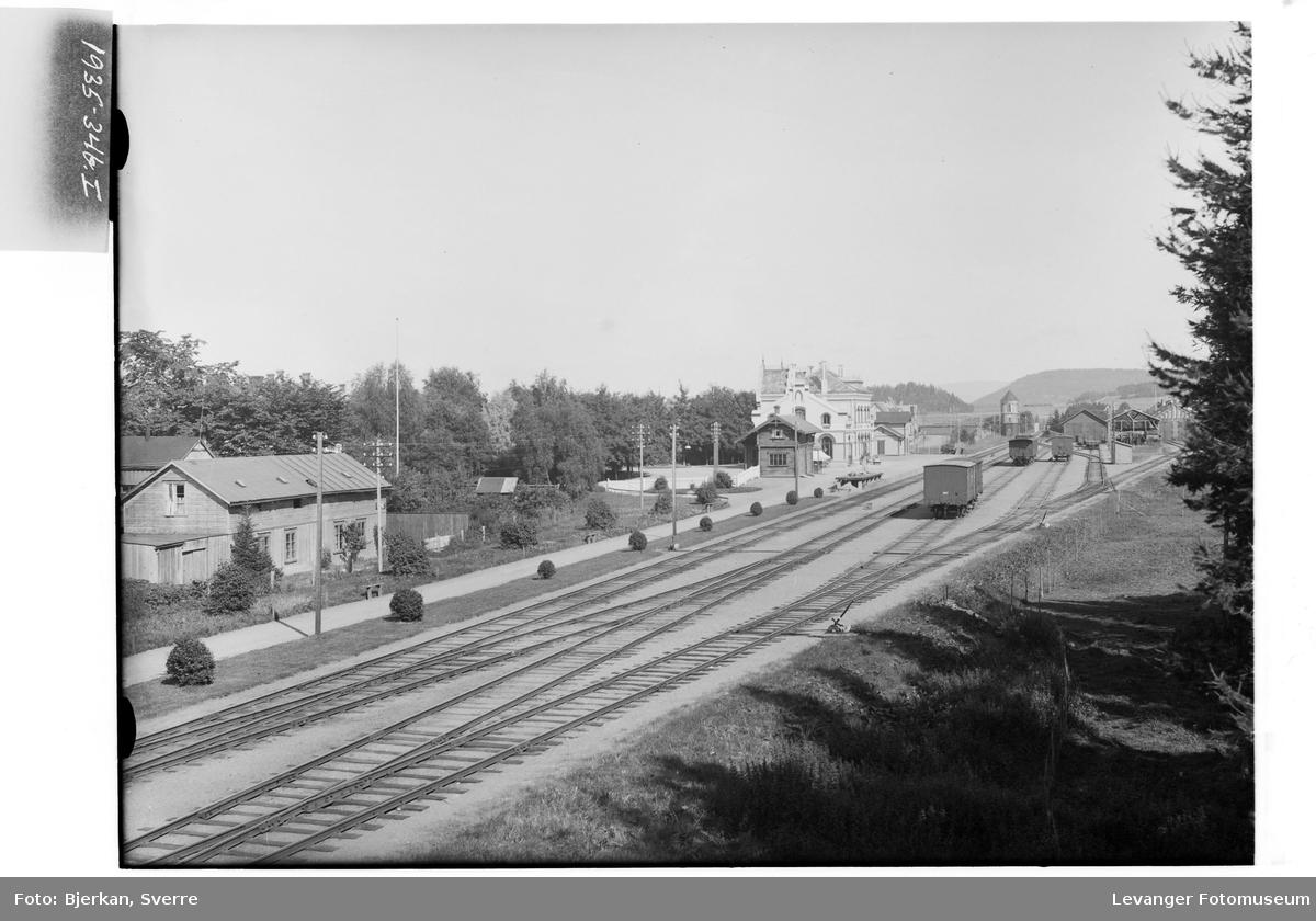 Utsikt fra jernbanebrua i Levanger og nordover